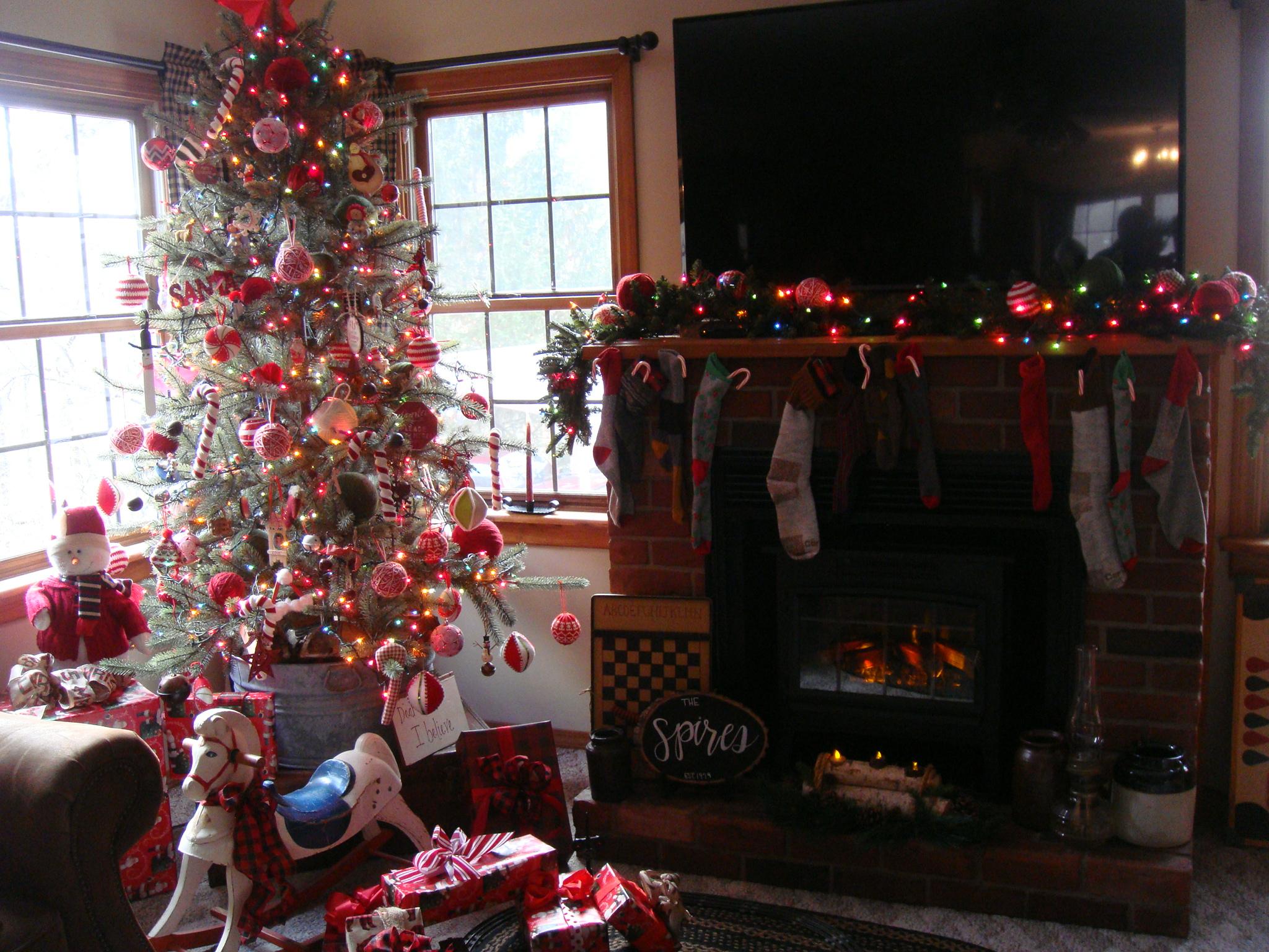 Spire's Home 2018 Christmas Tree
